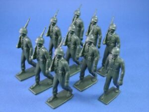 MARX-Training-Camp-Playset-Marching-US-Army-Set-10-Recast-60MM-Figures-FREE-SHIP