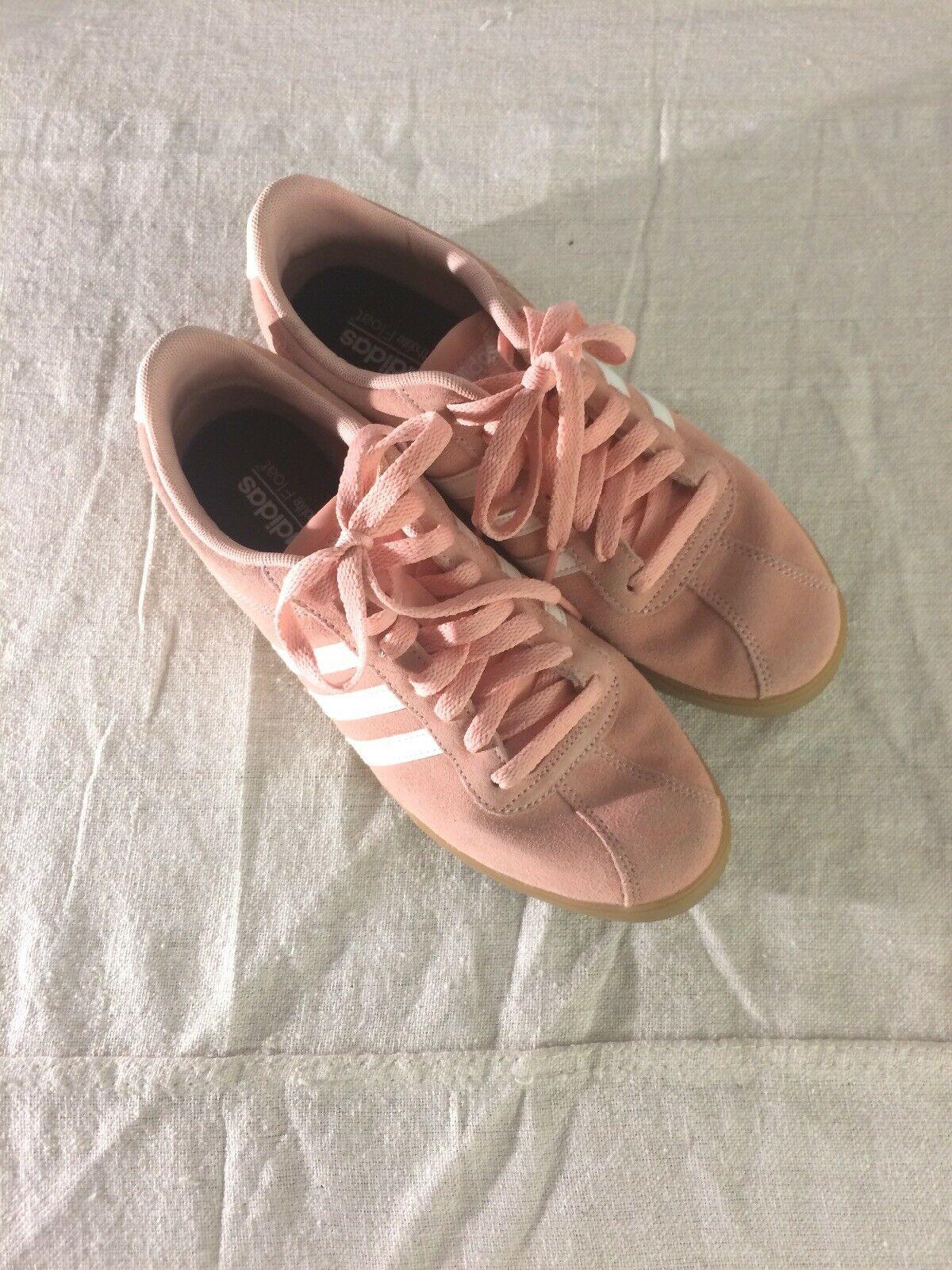 New Adidas Courtset Tennis shoes Size 9 Pink Suede Leather Fashion Sneakers
