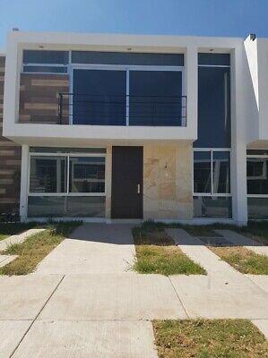 Casa en fraccionamiento Soberna Residencial, Blvd. Valtierra, cerca de Libramiento Morelos