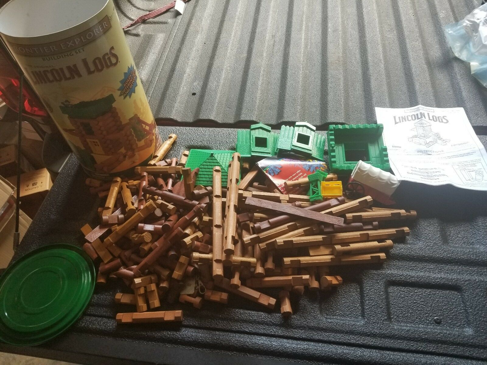 Huge lot of 220 + piece wooden Lincoln Logs w  Accessories, Kits, & More  CLEAN