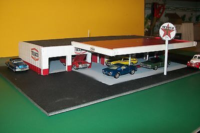 6 BAY GAS STATION DIORAMA FOR 1:64 SCALE DIECAST cbcustomtoys