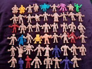 Muscle.   Lot d'hommes (qté. 53) Mélange de personnages couleur chair et tons