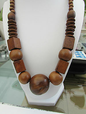"""A CHUNKY MID-BROWN WOODEN BEAD STRETCH NECKLACE. 20"""" + EARRINGS & BRACELET.   2"""