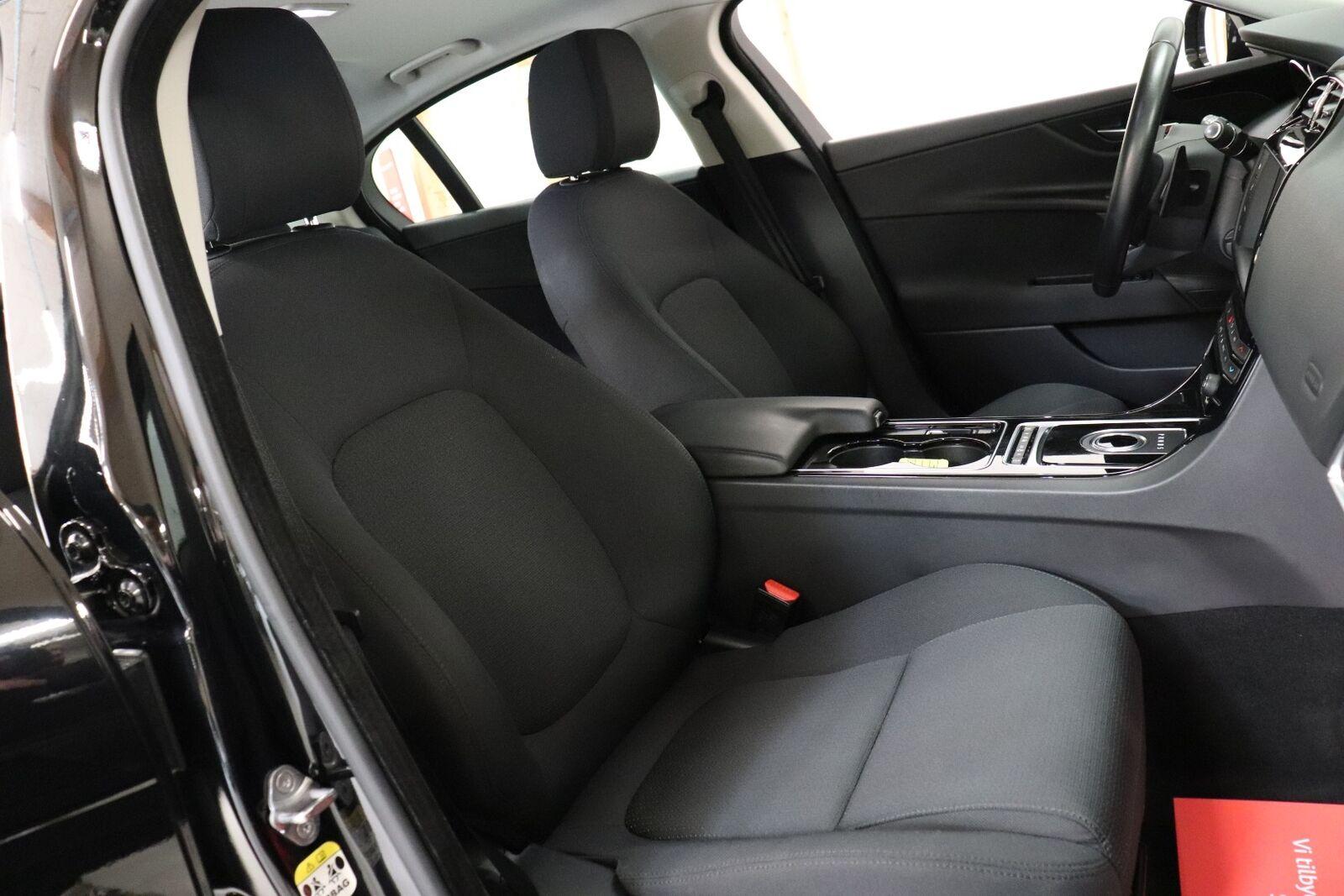 Jaguar XE 2,0 D180 Pure aut.