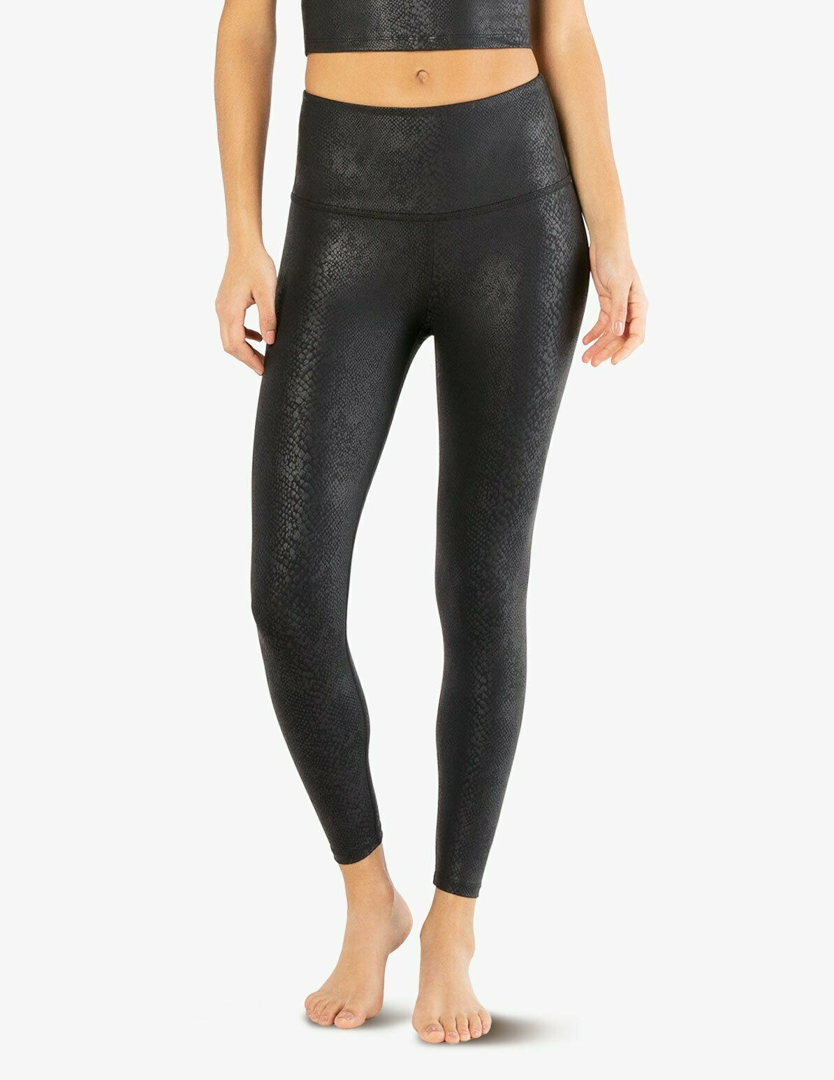 Special Offer: Beyond Yoga Brand Apparel – Viper High Waisted Midi Legging