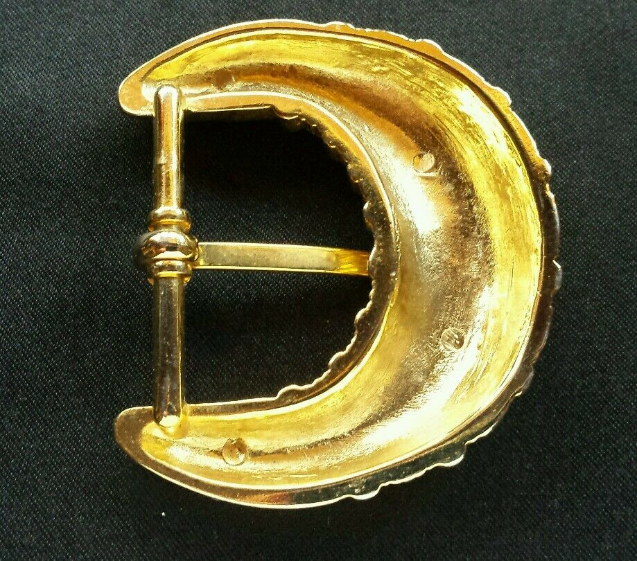 GOLD TONED DECORATIVE RIDGED LINES DESIGN FRAME STYLE BELT BUCKLE