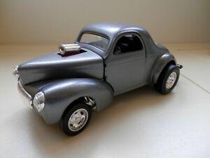 1941 Chrysler Willys Road Signature 92278 Diecast Car 1:18 scale - Gunmetal Grey