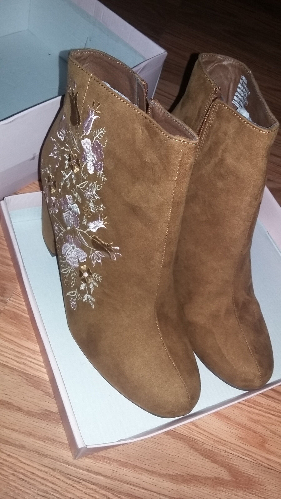 NEW Justfab Loreida Cognac size 11 booties