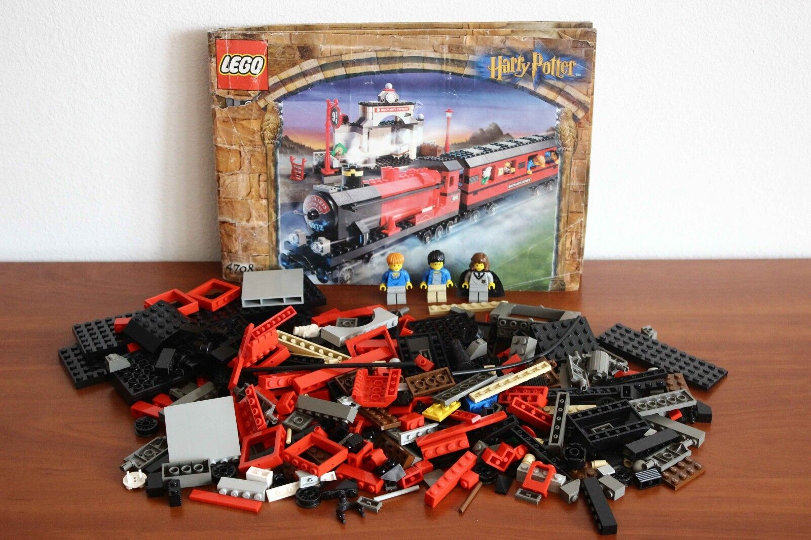 Lego Harry Potter Sorcerer's Stone  Train 9V Set 4708-1 Hogwarts Express + instr  vanno a ruba