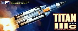 2014-MPC-790-1-100-TITAN-IIIc-USAF-ROCKET-w-boosters-module-model-kit-new