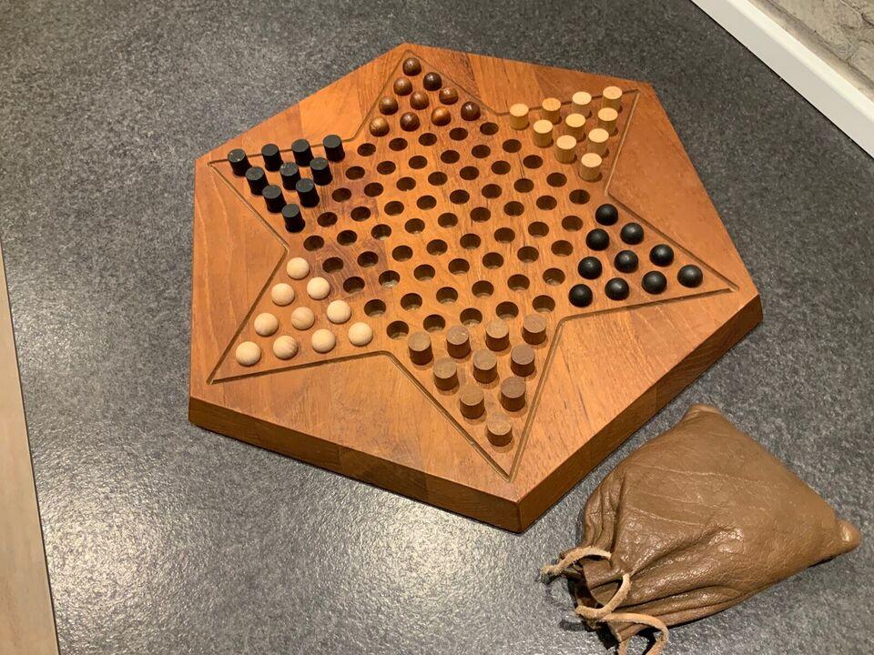 Skøde spil i teak, Gamle Skjøde spil, brætspil