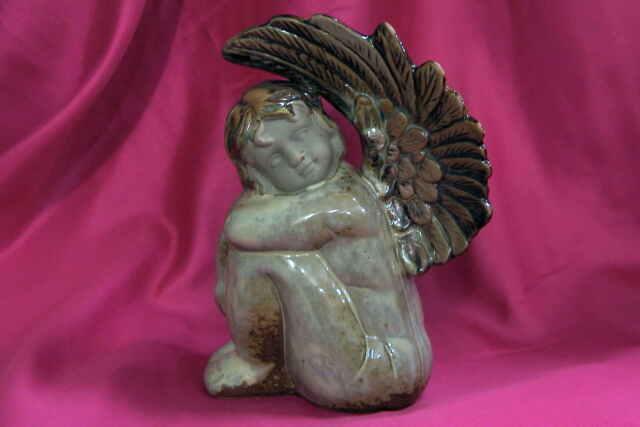 Engel mit wunderschönen Flügeln  Schutzengel aus Keramik glasiert 19 cm