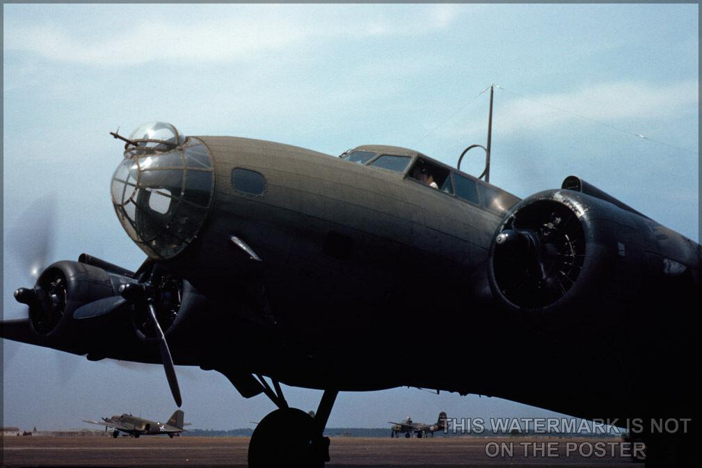 Plakat, Viele Größen; B-17 Flying Fortress May 42 Langley Field