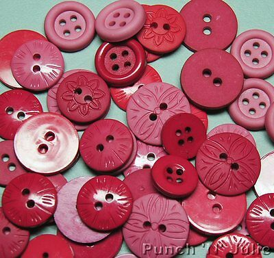 Color Me BERRY Red Pink Mixed Round Christmas Dress It Up Sewing Craft Buttons