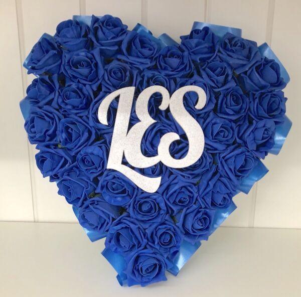 100% Vero Royal Blue Rose Di Seta Fiori Cuore Corona Funebre Funerale Tomba Artificiale