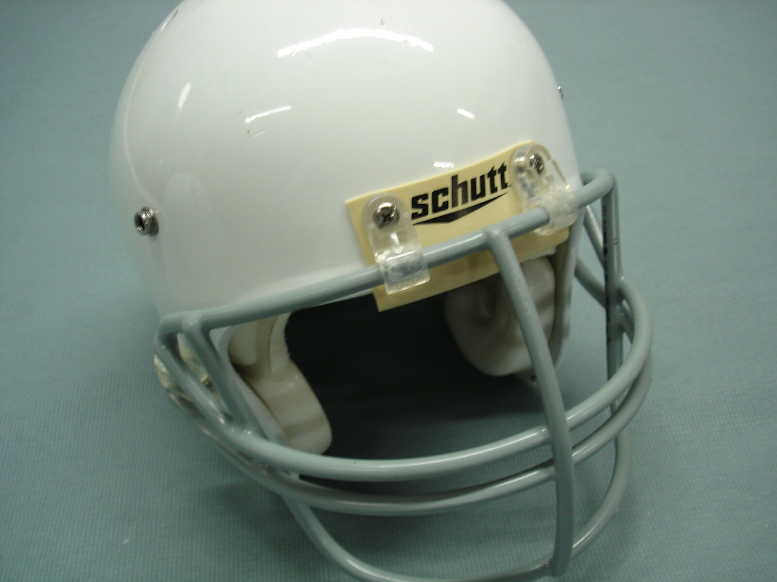 Used SCHUTT Youth Air Advantage Footbtutti Helmet  MEDIUM