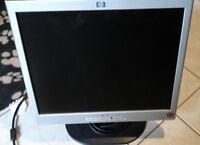 """HP 1702 17"""" LCD Monitor"""
