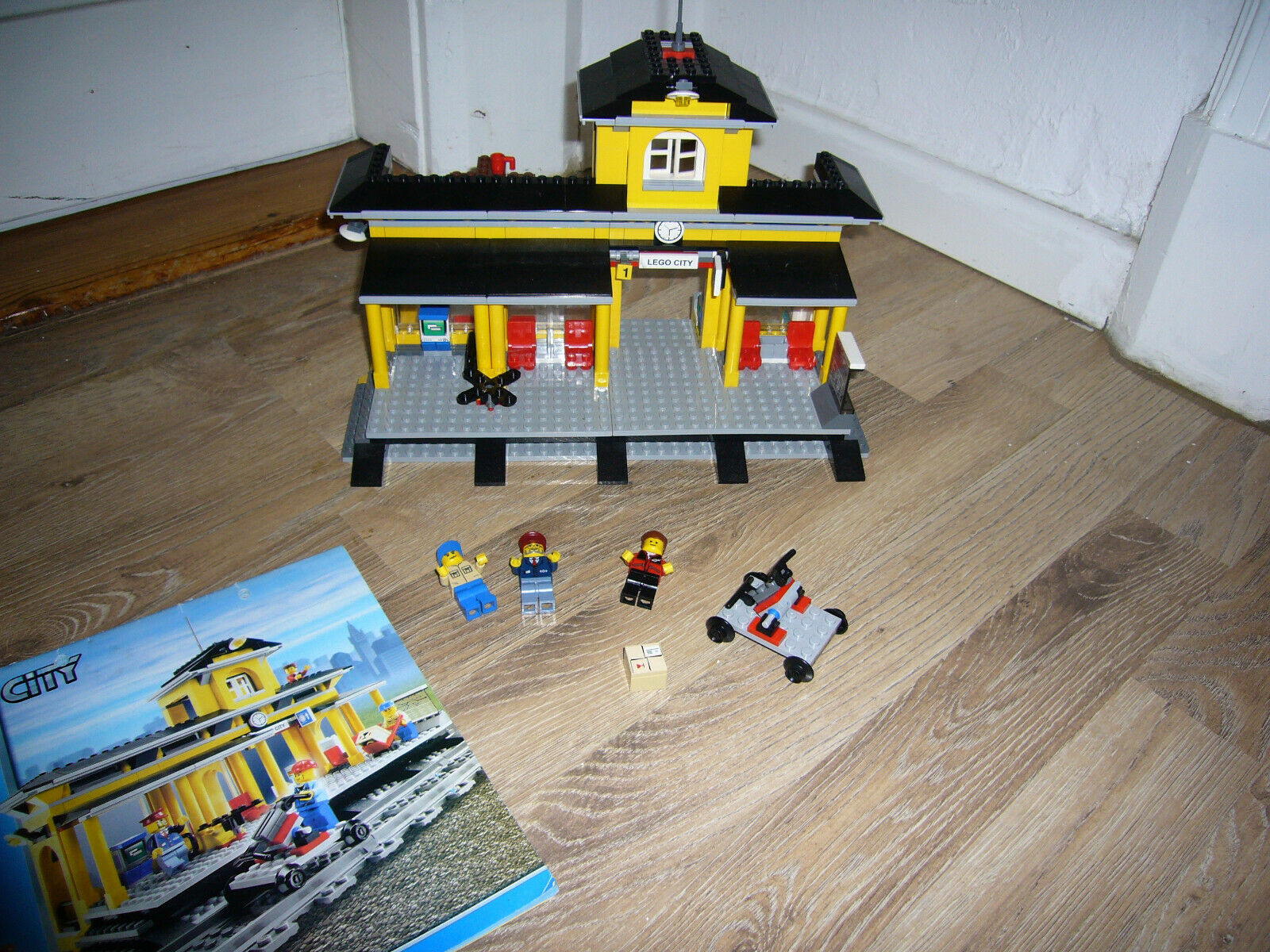 LEGO City Set 7997 Bahnhof Station