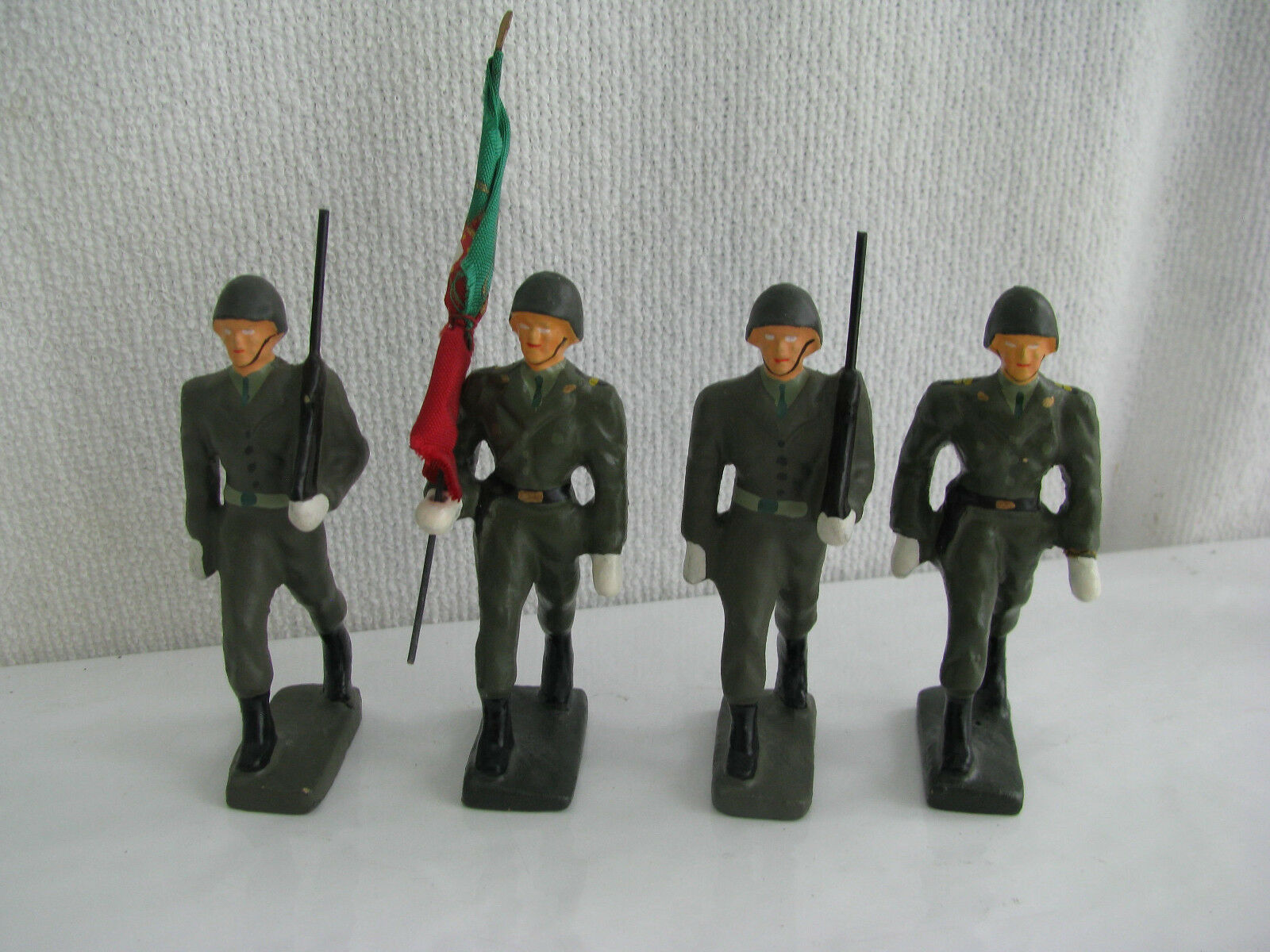 Toy soldier- Portuguese Army color guard