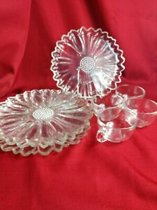 Indiana-Colony-Glass-4-Clear-Daisy-Snack-Luncheon-Plate-amp-Cup-Sets