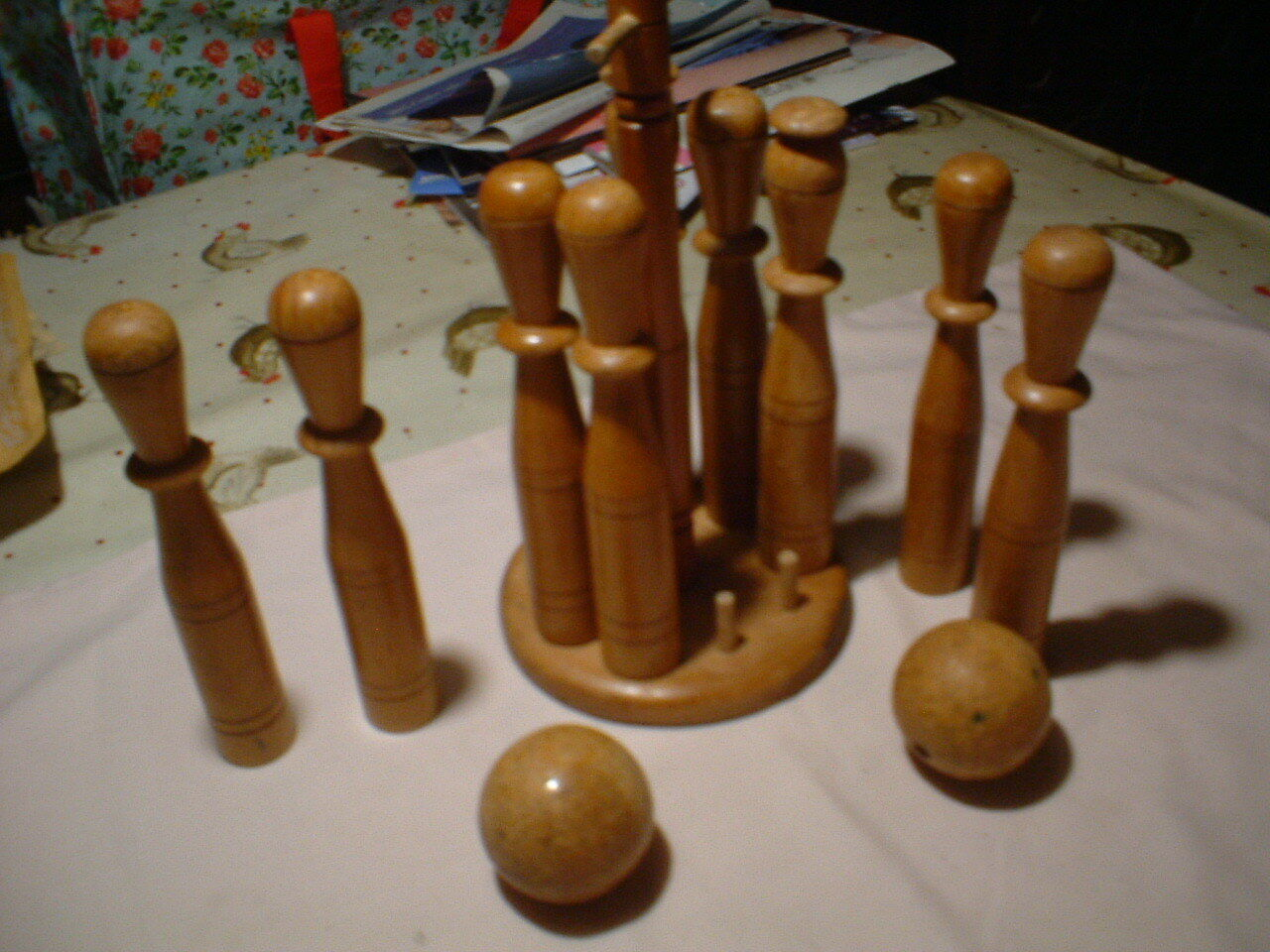 VICTORIAN SKITTLES full set in great condition