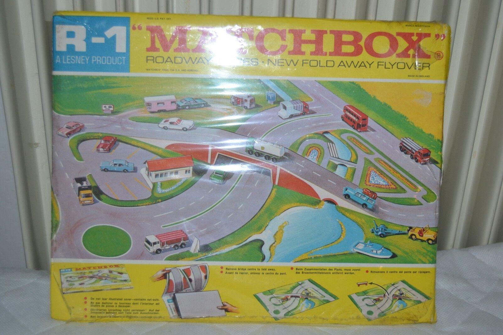 LESNEY MATCHBOX R-1 Roadway Mappa con ponte sigillato in fabbrica Strizzacervell