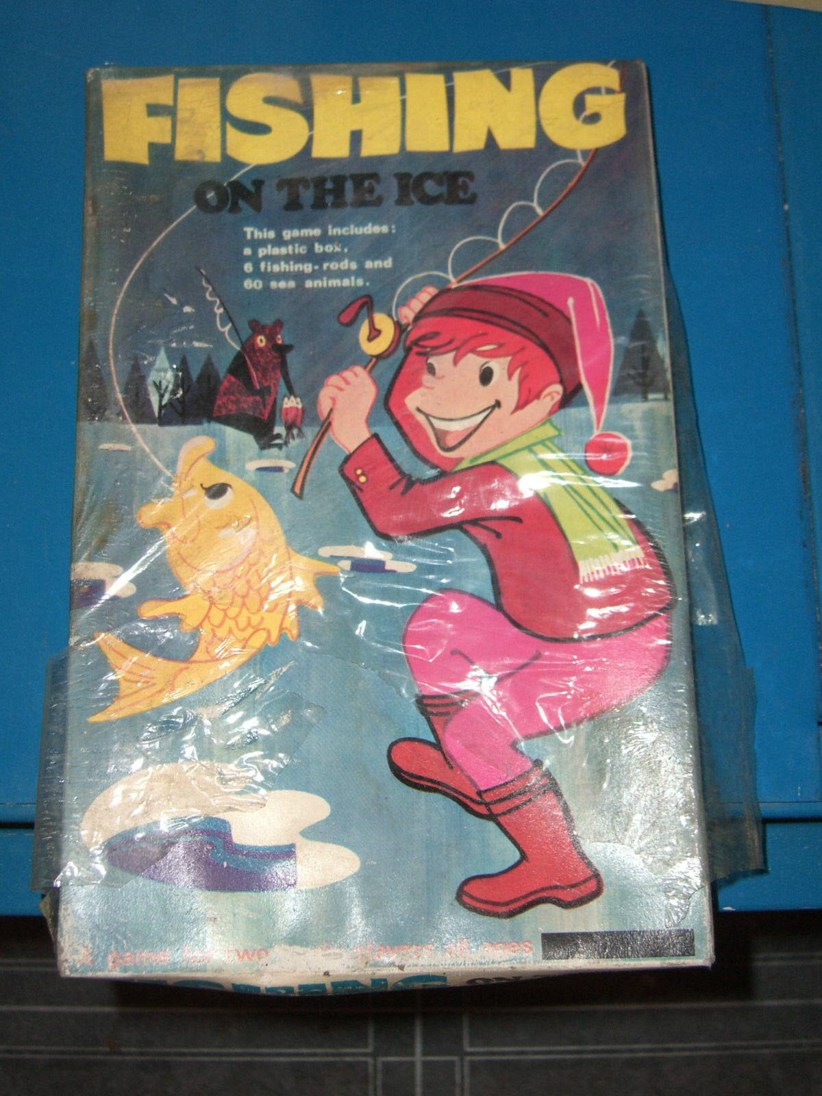 60'S VINTAGE BOARD GAME FISHING ON THE ICE HONG KONG MIB SEALED