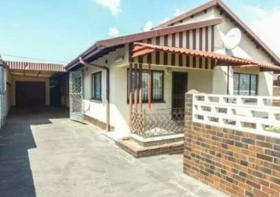 WELL SECURED 5-BEDROOM FAMILY HOME WAITING TO BE OCCUPIED