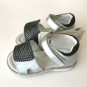 bdba752f4db5b2 Details about SILVER TODDLER GIRLS SUMMER SANDALS SHOES LEATHER INSOLE SIZE  UK Infant 5 - 8