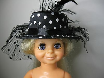 """BLYTHE FITS CRISSY MESH AND FEATHERS ON A BLACK FELT HAT DOLL HAT 5/"""" BOW"""