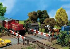 unbeschrankter Bahnübergang NEU /& OvP Faller 120243 H0