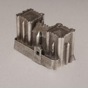 Donjon-de-Niort-historic-architecture-metal-castle-model-scale-1-1000