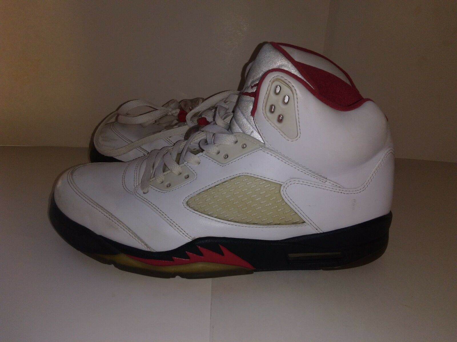 Nike v air jordan v Nike retro - rot - weiße größe 10,5 889b4e