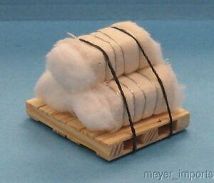 Pallet w/ Cotton Bundles - 3 Bales of Cotton - G Scale - 101-0012