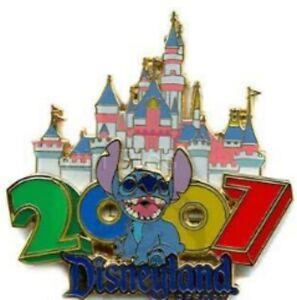 Disney-Pin-51619-DLR-Dated-2007-Stitch-Sleeping-Beauty-Castle-Disneyland-Resort