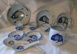 14-Pc-Set-VINTAGE-CHINESE-BLUE-amp-WHITE-KOI-CARP-FISH-SET-PLATE-BOWL