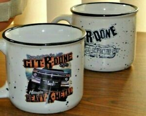 Coffee-Mugs-2-Mug-Lot-of-LARRY-THE-CABLE-GUY-12-Oz-Git-R-Done-EUC-Giftworthy