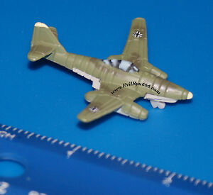Military-Micro-Machines-1999-WWII-MESSERSCHMITT-Me262-1a-German-Jet-Galoob