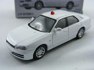Nissan-Skyline-25GT-X-Treife-civile-Tomytec-Tomica-Lim-Vint-Neo-LV-N126a-1-64