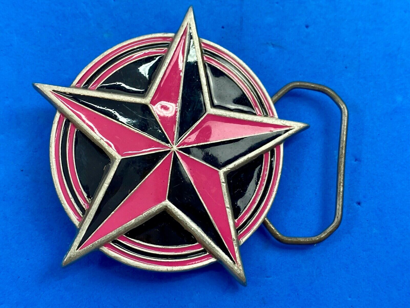 2002 Great American Products belt buckle 4613 - pink and black enamel star