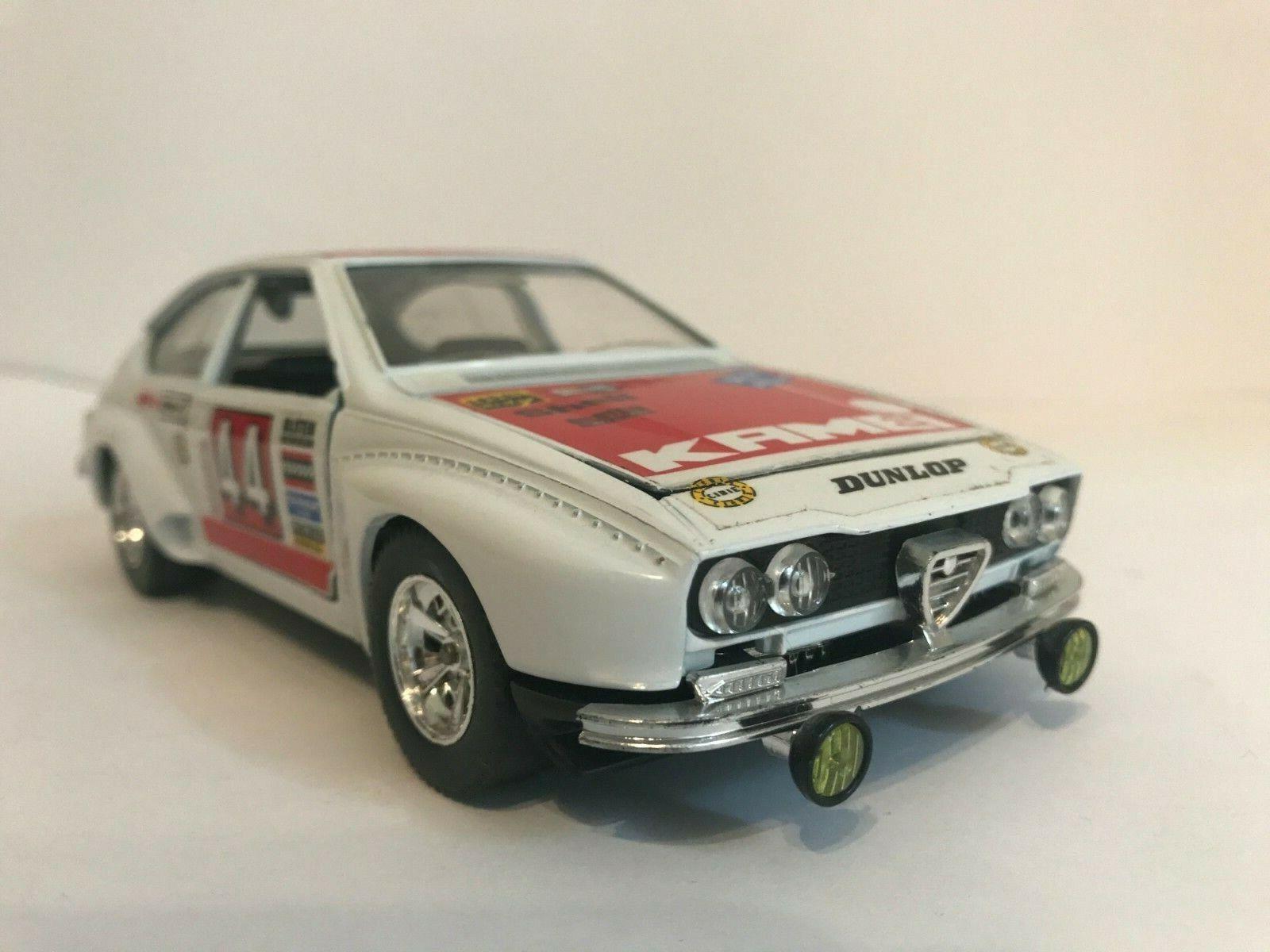 Burago Alfa Romeo Alfetta GT Corsa, scala 1 24 -  1 25  pour pas cher