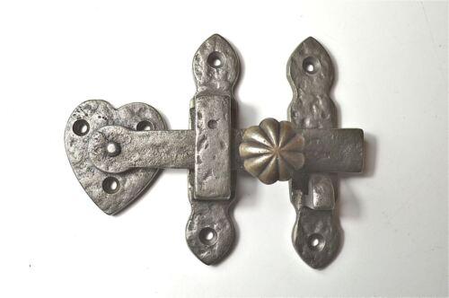 BEATEN STYLE CAST IRON FURNITURE DOOR LATCH LIFT UP DOOR LOCK ANTIQUE STYLE CR2