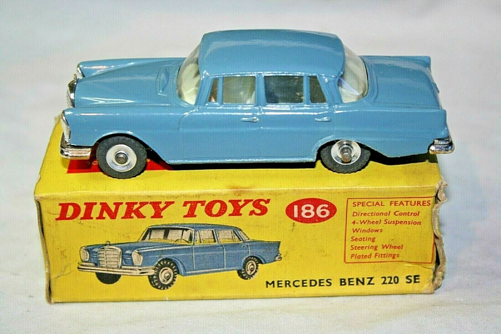 Dinky 186 Mercedes-Benz 220 SE, Mint Condition in  Original Box