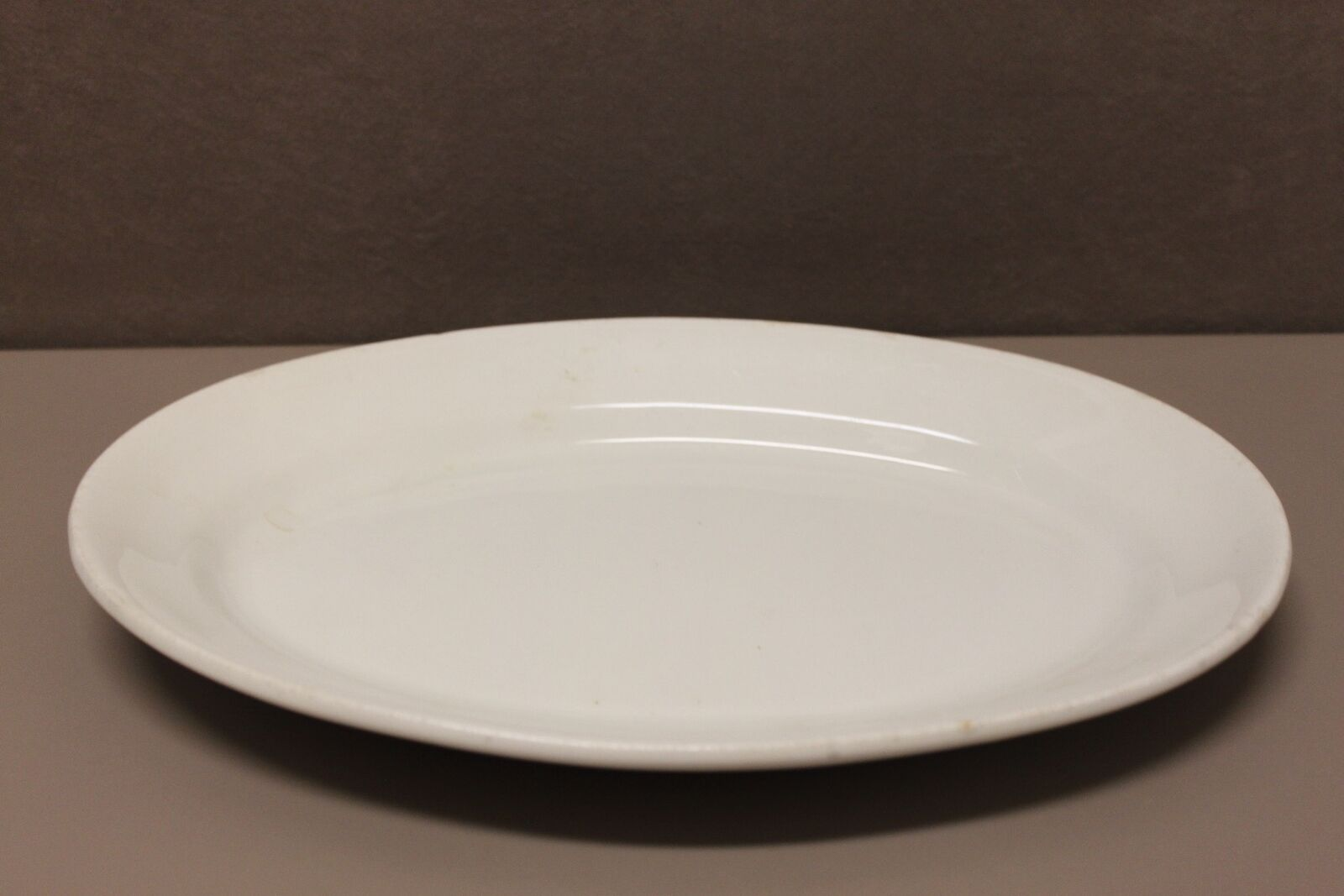 Vintage Creme White Granite Platter, The Wheeling Pottery Co. (New)