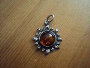 pendentif motif soleil en argent massif 925 et ambre de baltique avec chaine