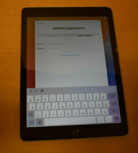 Apple iPad 5.Generation 32GB Spacegrau DEFEKT