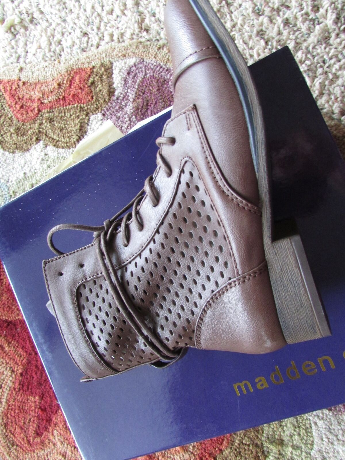 NEW STEVE MADDEN MADDEN GIRL ADDYSON ANKLE Stiefel Damenschuhe 7 7 Damenschuhe PERFORATED BOOTIES 1dfb50
