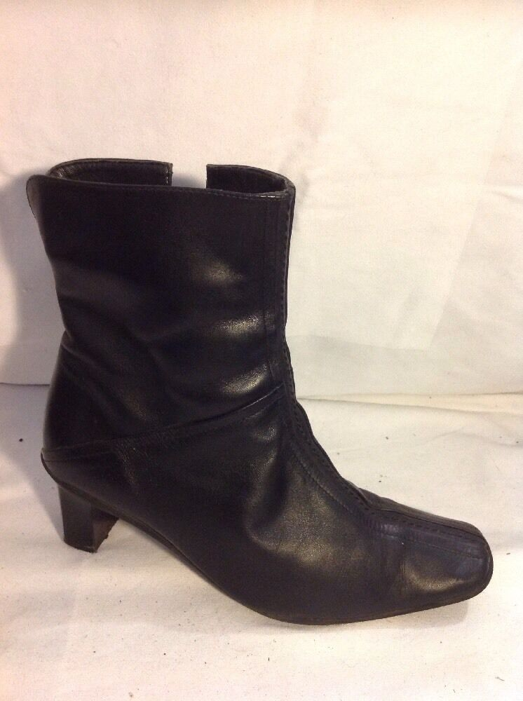 K By Clarks Black Ankle Leather Boots Size 4.5