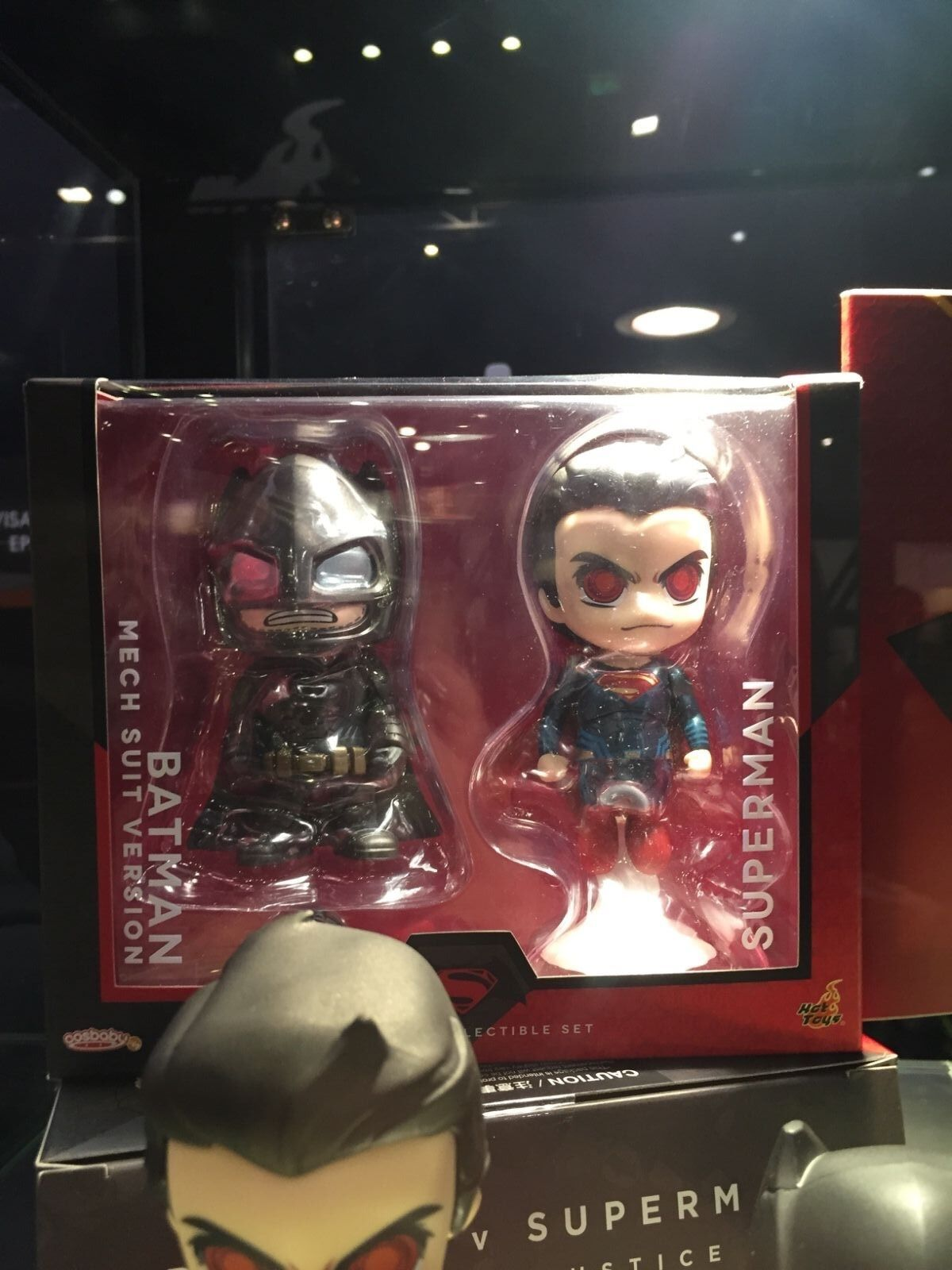 Hot Toys DC Batman & Superman 4  Cosbaby set with bat-signal