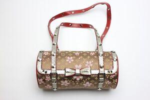 bb654c5dfeb Caricamento dell immagine in corso Louis-Vuitton-PEOLA-Clutch-Cherry-Blossom -Bag-designed-